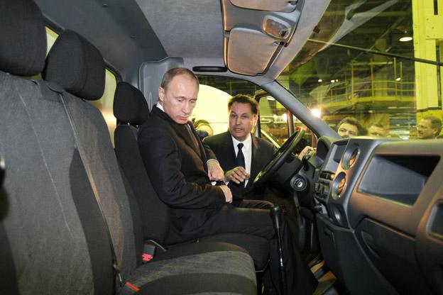 Владимир Путин за рулем Некста