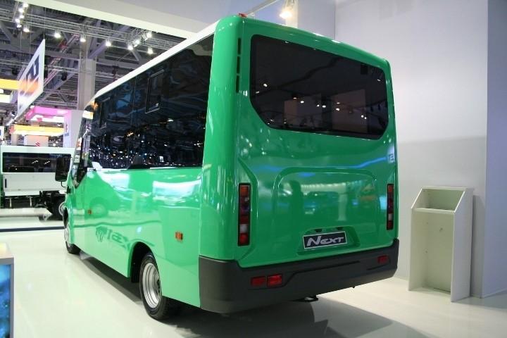 Задний вид автобуса