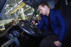 Медведев в салоне новой Газели Некст
